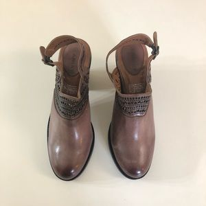 Ariat Shoes - New Ariat Chaparral Shoes Size 6.5